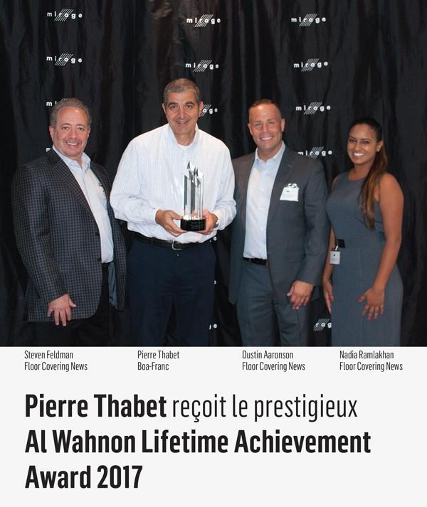 Pierre Thabet recevant le Al Wahnon Lifetime Achievement Award 2017